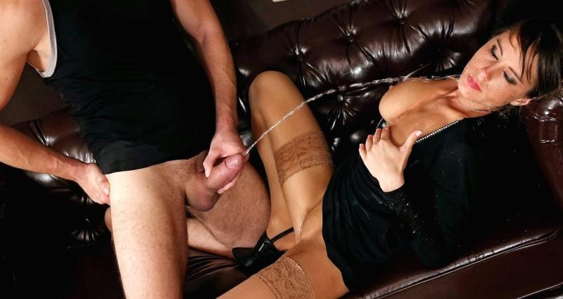 PissinginAction: Anabelle's pissing and creampie in action [SD] (313 MB)