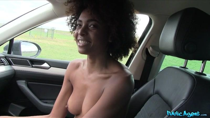 PublicAgent.com / FakeHub.com: Luna Corazon - Ebony With Hot Body Fucked in a Car [SD] (400 MB)
