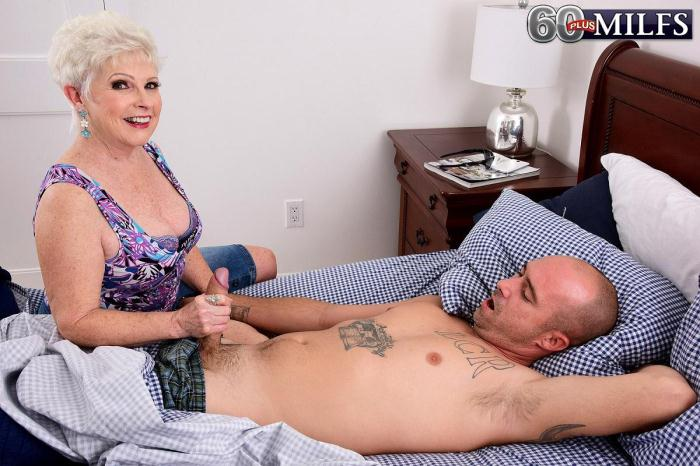 Jewel is a granny. Jimmy is her grandson\'s friend (ScoreHD, PornMegaLoad) FullHD 1080p