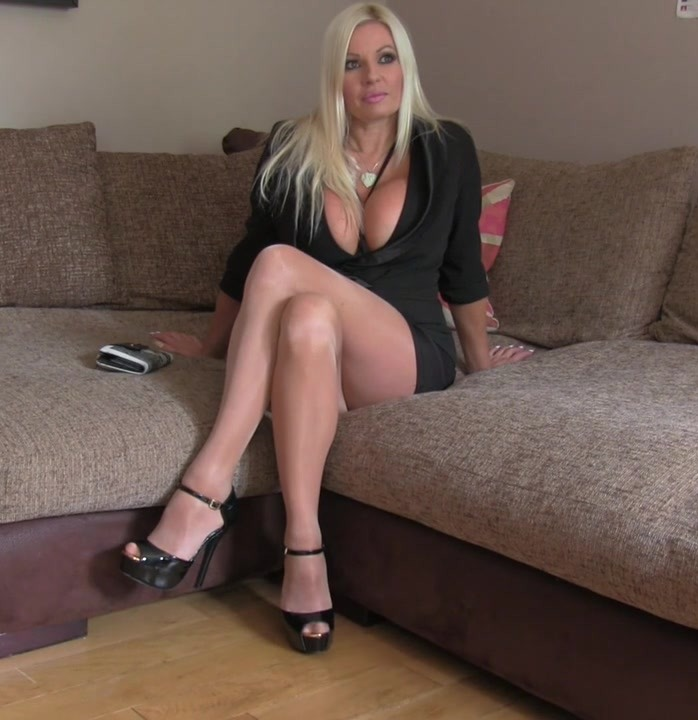 FakeAgentUK: Michelle Thorne - Blonde with big tits gets tied up  [HD 720p] (588 MiB)