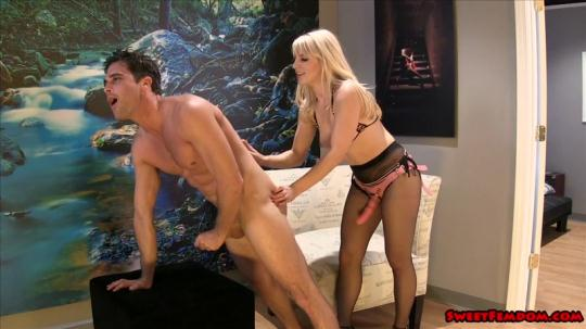 SweetFemdom: Kinky Compromise with Ashley Fires (SD/540p/829 MB) 12.12.2016