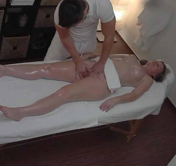 Amateur Czech Massage 308 [Czechav 1080p]