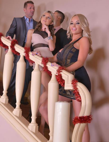 Rachele Richey, Gina - Sperm Splash Xmas - Foursome Fucking Around The Christmas Tree (DDFNetwork) [SD 360p]