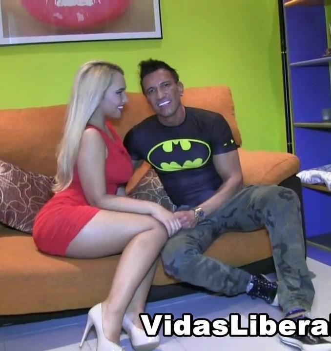 Briana Brounce ~  Briana (20 anos) es la ESPECTACULAR novia de Marco Banderas (49) DEBUTA EN EL PORNO. Marco mola, y lo sabes.  ~  Fakings ~  HD 720p