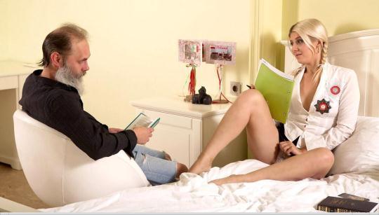 TrickyOldTeacher: Gabby aka Helena Dickens - Gabby fucks her tutor in her own bedroom (SD/480p/292 MB) 12.12.2016
