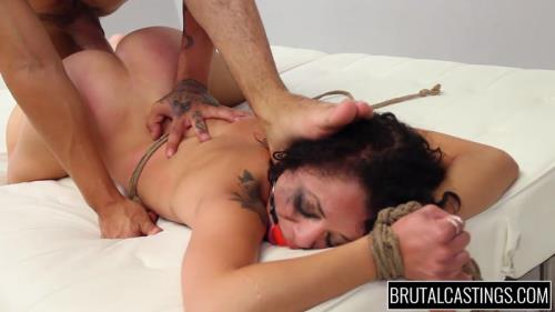 31 Holly Hendrix [HD, 720p] [BrutalCastings.com]