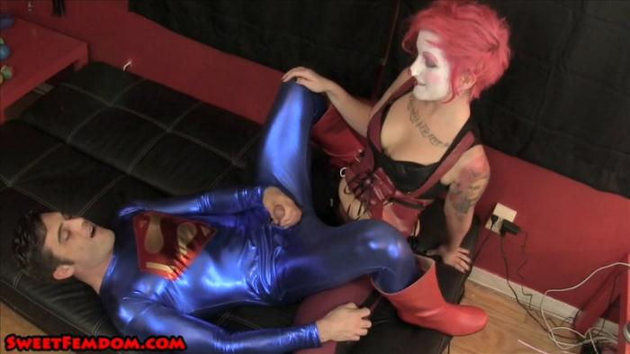 Harley Quinn Fucks Superman (SweetFemdom) SD 540p