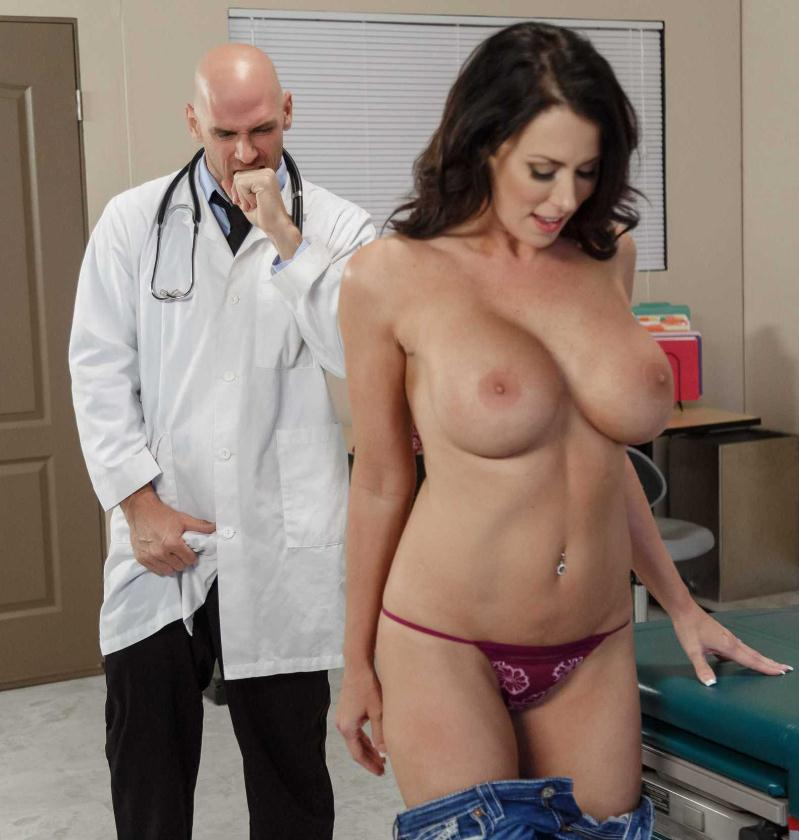 DoctorAdventures/Brazzers - Reagan Foxx [My Husband Is Right Outside...] (HD 720p)