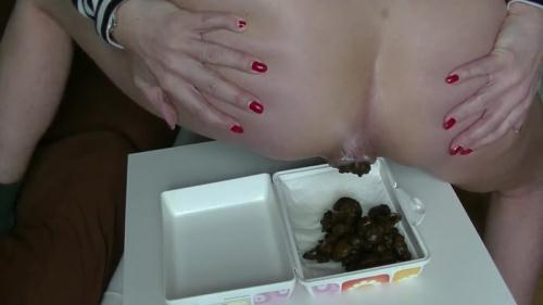 SCHEISS snack for you - Solo Scat [FullHD, 1080p] [Scat]