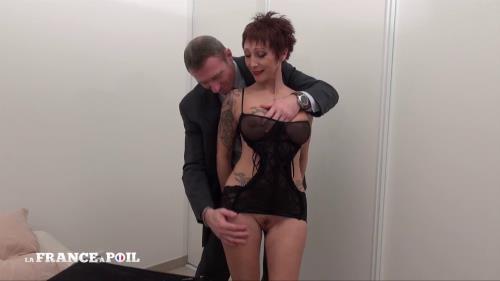 Catalya - Avant de laisser partir son mari, Catalya se fait bourrer le cul (laFranceaPoil) [HD 720p]