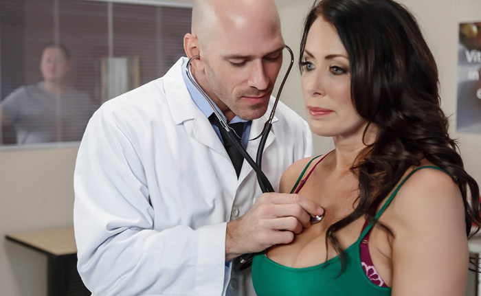 DoctorAdventures - Reagan Foxx - My Husband Is Right Outside... [SD 480p]