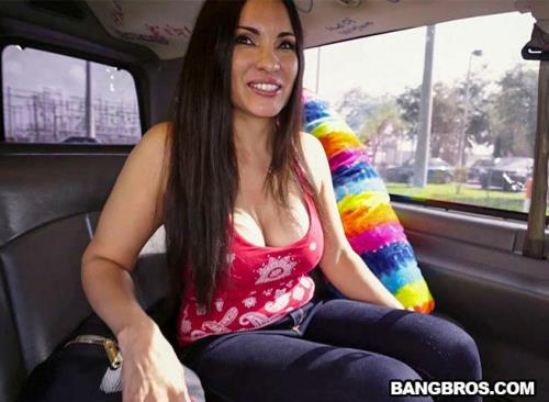 Sophie Leon - La Tia gets on the bus (BangBros) [FullHD 1080p]