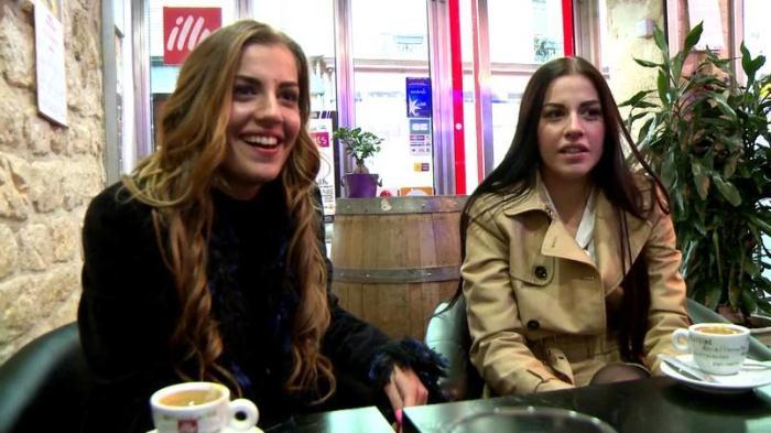 Indecentes-Voisines: Dellai Twins - Nous sommes deux soeurs jumelles! [FullHD 1.72 GB]