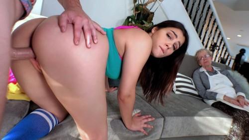IKnowThatGirl/Mofos: Valentina Nappi - Valentina Nappi Shows Her Thick Ass  [SD 480p]  (Teen)