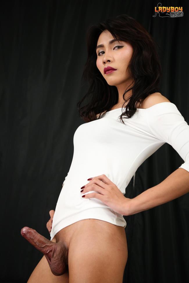 ladyboy.xxx: Miu - Sexy Well Hung Miu! (FullHD/2016)