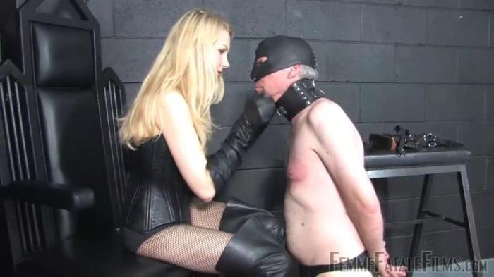 Worship My Leather (FemmeFataleFilms) HD 720p
