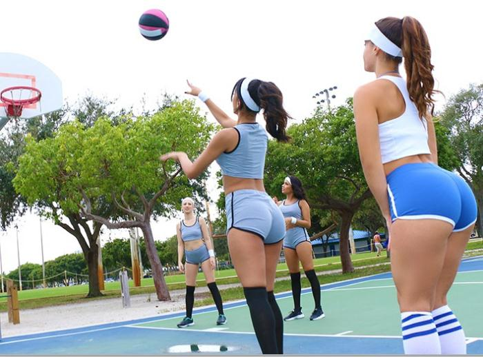 BFFS: Sophia Leone, Kelsi Monroe - Basketball  [SD 540p]  (Group)