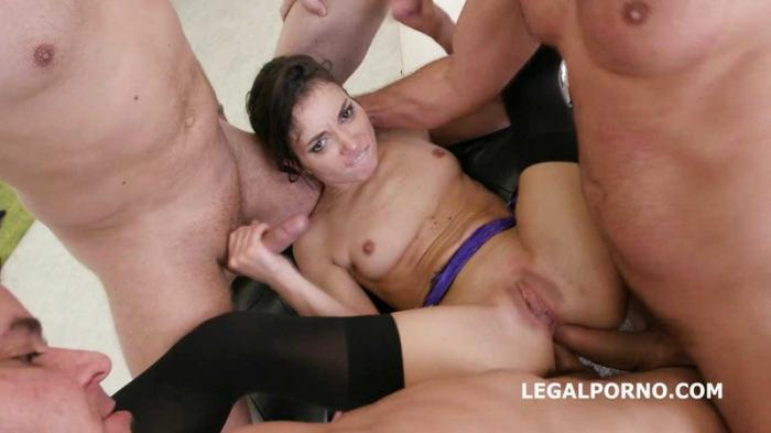 LegalPorno: Valentina Bianco - Monsters of DAP Valentina Bianco 4on1 No Pussy /Dap /Gapes. She does it good and gets it deep GIO [HD 1.68 GB]