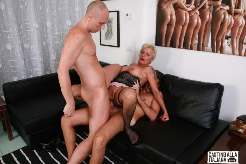 Shadow - Wild mature Italian swinger gets DP in hardcore FFM threesome (Porndoepremium) [FullHD 1080p]