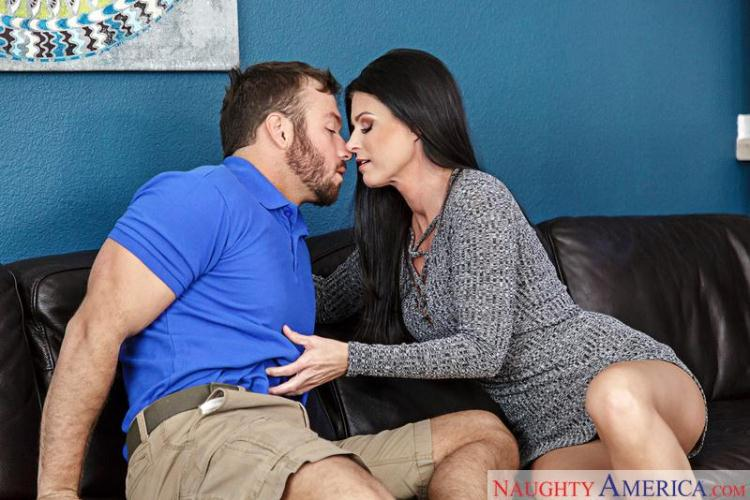 India Summer - Seduced By A Cougar / 20 Dec 2016 [NaughtyAmerica / SD]