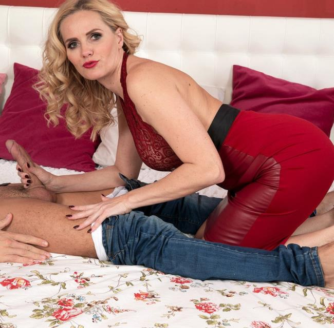 40SomethingMag/PornMegaLoad: Lily Canary - A mom like Lily  [HD 720p]  (Milf)