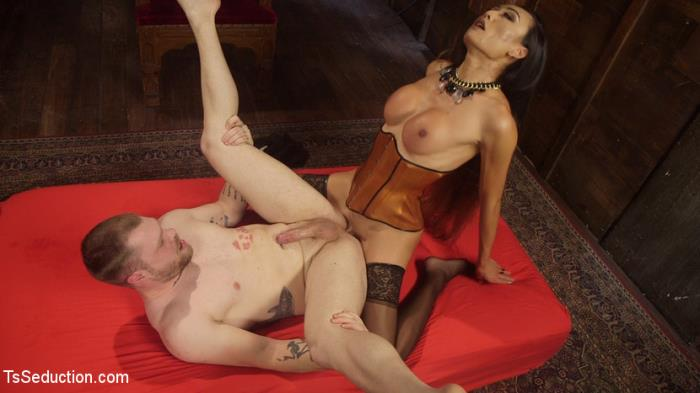 Venus Lux, Mike Panic - Her Willing Slave [SD 540p] TSSeduction.com