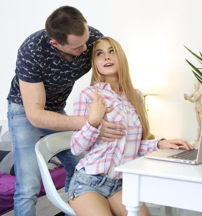 Creampie-Angels: Nancy A - Lad serves busy blondie [HD 1.09 GB]