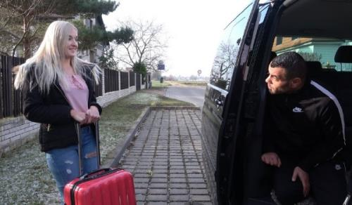 Daisy - Airport Sex Shuttle (TakeVan) [FullHD 1080p]