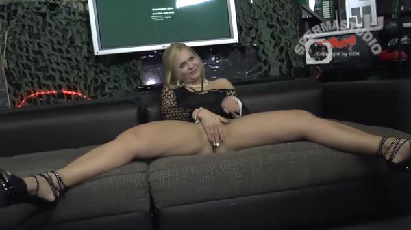 Sperma-Studio: Vicky Wilfing - Suck my dick like a bitch (2017/FullHD)