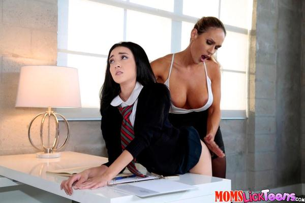 MomsLickTeens - Kiley Jay, Tegan James - Spank Me [SD, 432p]