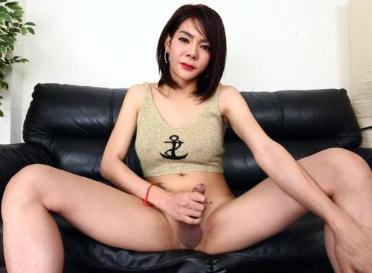 ladyboy.xxx: Yaya - Adorable Tgirl Yaya Jacks Her Cock On Cam (HD/720p/551 MB) 10.01.2017