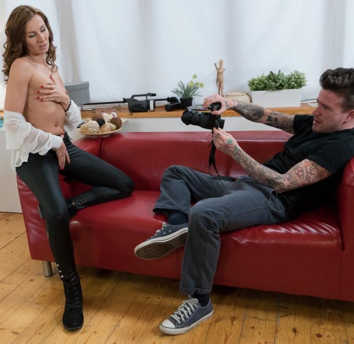 Sandra - Hot brown haired Czech newbie fucks photographer at his studio  [HD 720p]