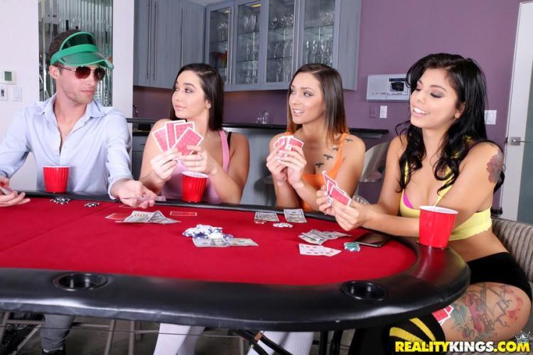 Gina Valentina, Karlee Grey, Jaye Summers - Taking All Bets / 16 Jan 2017 [RealityKings / SD]