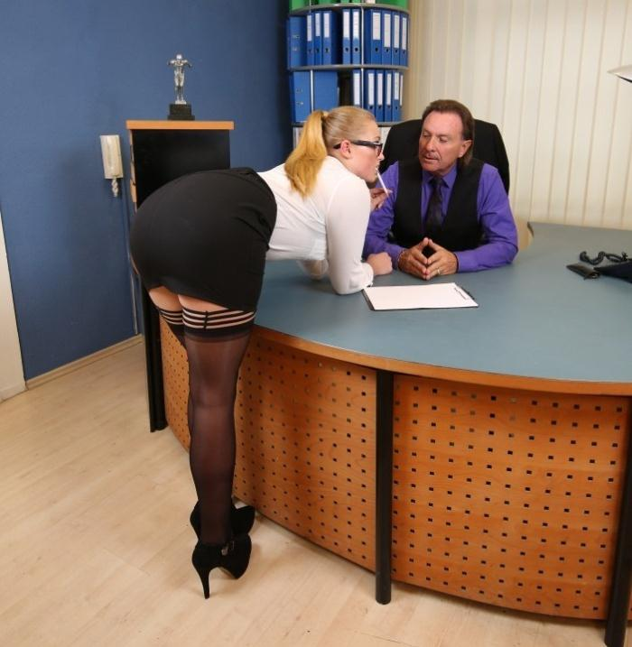Scarlett Scot - Kinky blonde German secretary gets fucked at the office by her horny boss  [HD 720p]