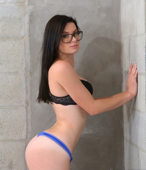 FirstTimeAuditions/RealityKings - Kymberlee Anne [Fresh face] (SD 432p)