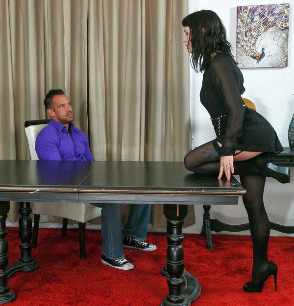 Olive - Dirty Wives Club  (DirtyWivesClub/NaughtyAmerica/HD/720p/1 021 MiB) from Rapidgator