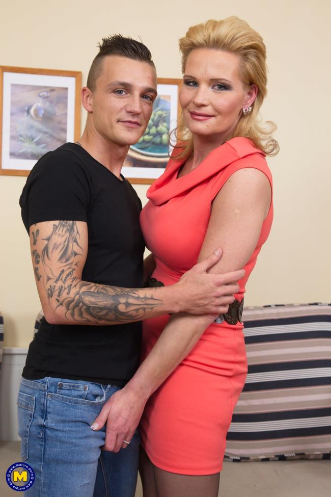 Margaux M. (44) - hot housewife doing her toyboy [Mature.nl | 1080p]