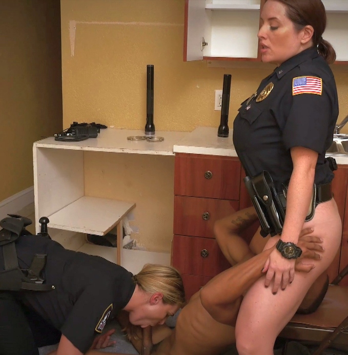 BlackPatrol - Maggie Green, Joslyn [Black Patrol presents: Black Male squatting in home gets our milf officers squatting on his face.] (HD 720p)