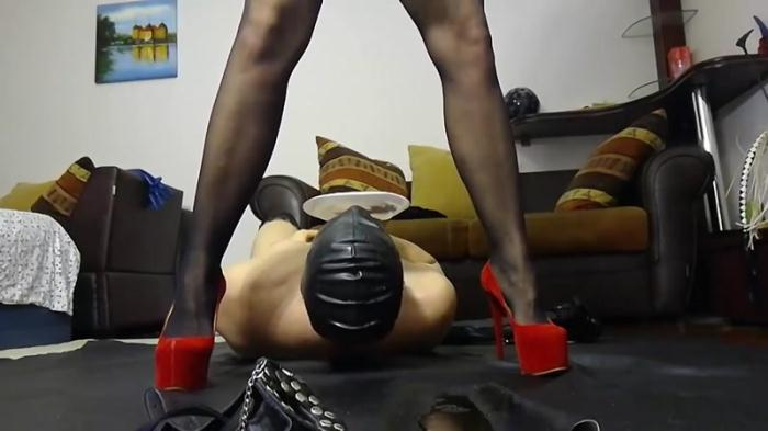 Bizarre action with Silicone Godess - Femdom Scat (Scat Porn) FullHD 1080p