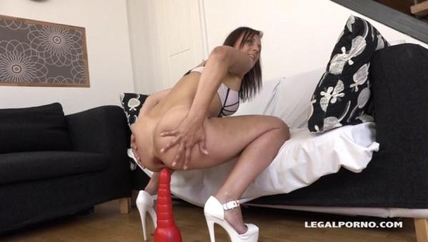 Horny housewife Sofy just bored in need of a big black dick IV032 - L3g4lP0rn0.com (SD, 480p)