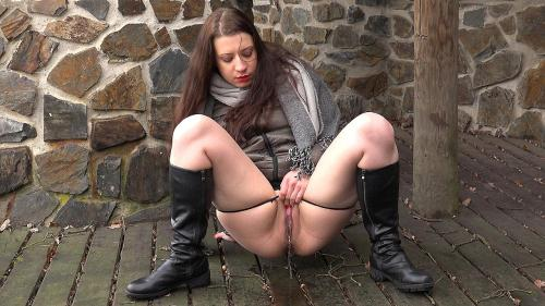 G2P [Boots and piss] FullHD, 1080p