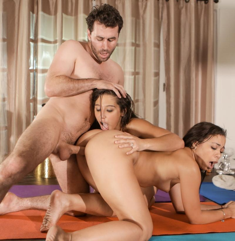 Sweetsinner: Adrian Maya, Abella Danger - Joining In  [HD 720p] (1.36 GiB)