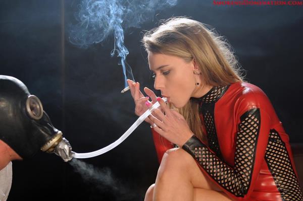 Mistress Chloe - Mistress Chloe extreme forced smoke inhalation (Hardglam) [FullHD 1080p]
