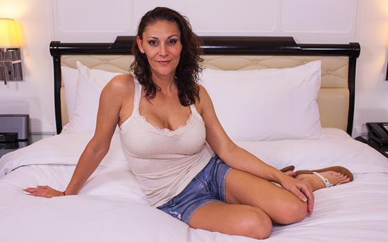 Gabriela - A MILF that is practically a virgin [HD 720p] MomPov.com