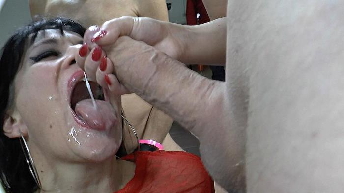 Sperma-Studio.com - Bitch Angie - Bitch Angies last round [FullHD 1080p]