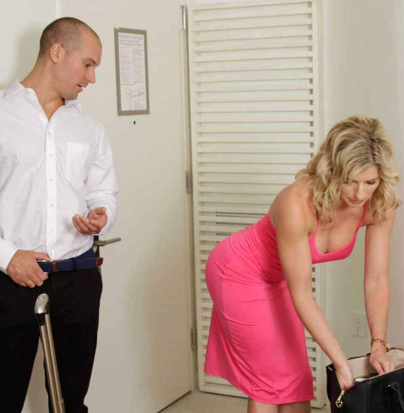 MilfsLikeItBig/Brazzers - Cory Chase [Milfs On Vacation: Part 1] (HD 720p)