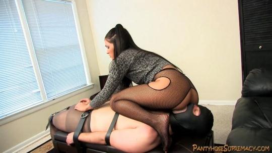 Pantyhosesupremacy: Mistress Jade Indica - Start At The Bottom 3 of 4 (HD/720p/341 MB) 21.01.2017