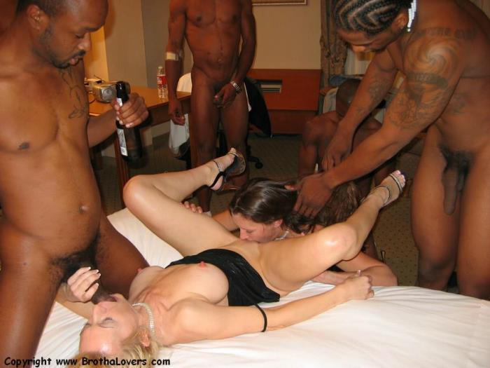 InterracialSexX.com - Jennifer Ashton, Barbie Blazer - Interracial Creampie Gangbang [FullHD 1080p]