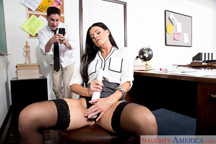 India Summer [SD/360p/248 MB]