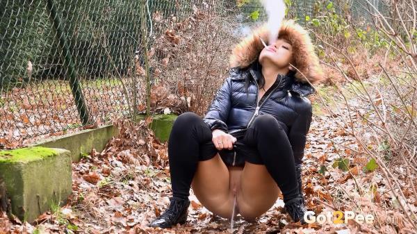 NEW! Smoking Hot Pee (16.01.2017): Amateur - Got2Pee 1080p